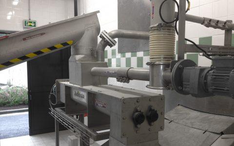 Klärschlamm - Kalk - Doppelpaddelwellen - Mischer MBV , Schlammförderschnecke CS,Kalkinjektor ID