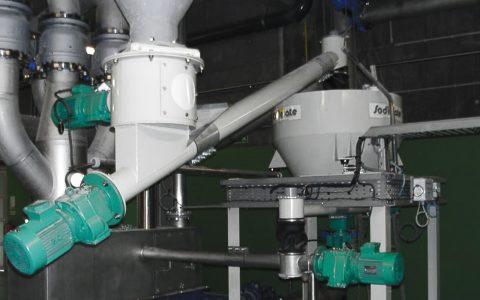 Silo Austrags- und Dosiergerät DDS 400 für Branntkalk, Zwischenbehälter auf Wägeeinrichtung, Schlamm-Kalk-Mischer