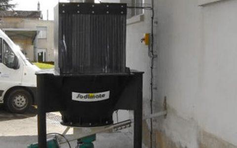 Sackeinschüttung mit Dosiergerät ZFP 500, pneumatischer Filter