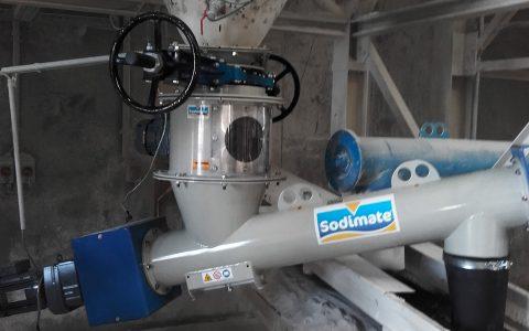 Silo Austragshilfe für Kreide mit geneigter Rohr-Förderschnecke