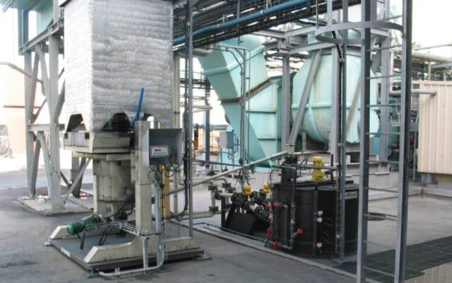 Entleer- und Dosierstation für Pulveraktivkohle-Kleincontainer