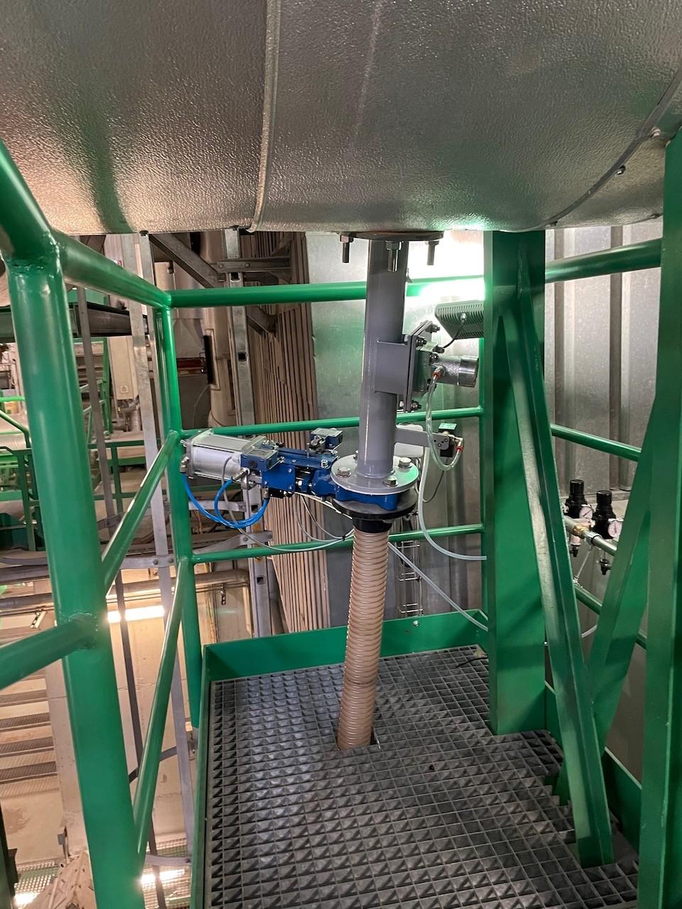 Big Bag-Entleerstation und pneumatische Fördereinheit für Biomassekraftwerk